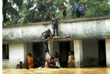 to-safety-in-bihar-floods